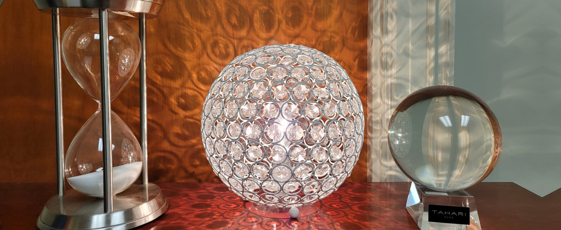 hourglass, glowing ball